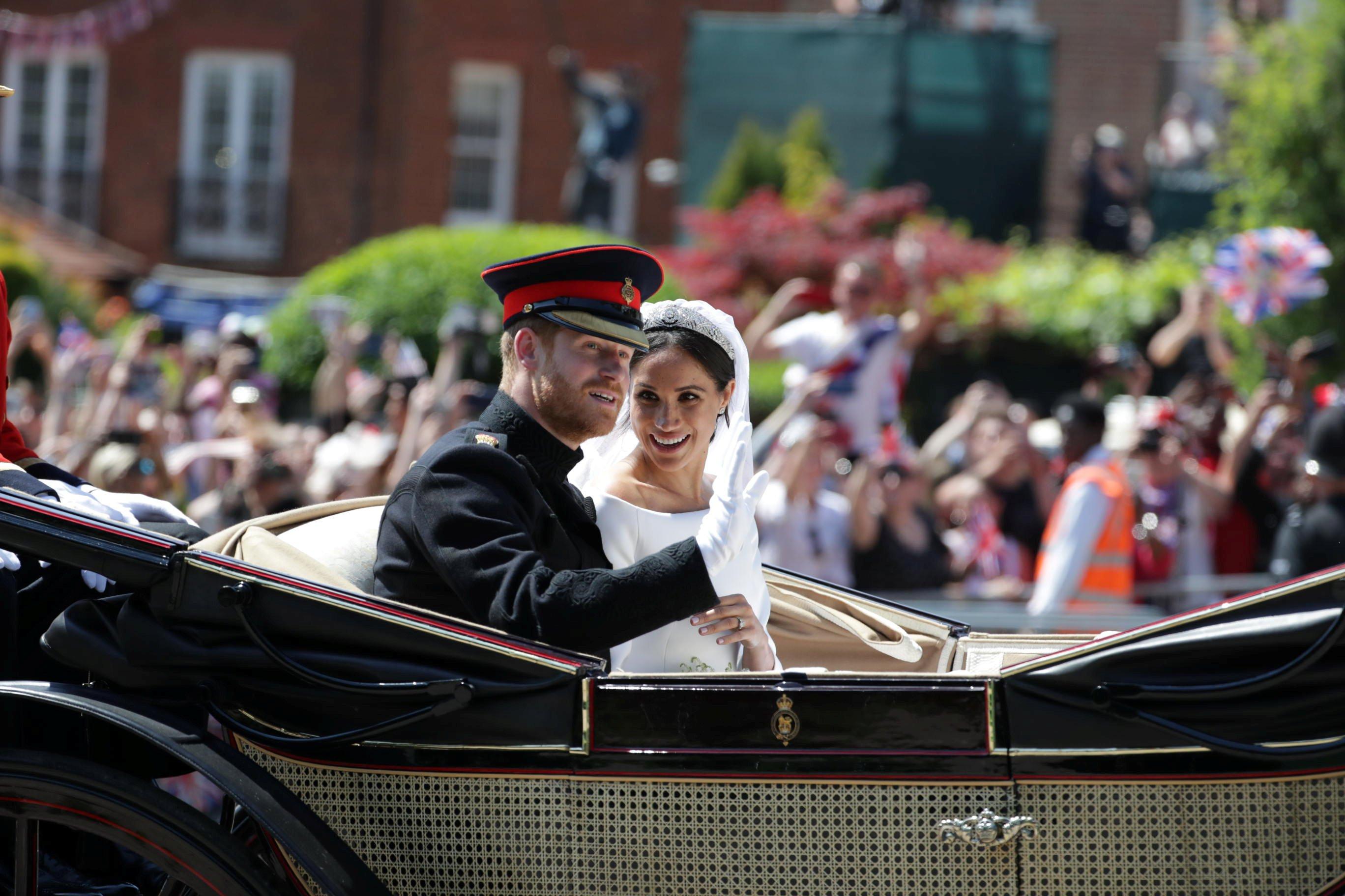Стало известно, где и как принц Гарри и Меган Маркл проведут медовый месяц.