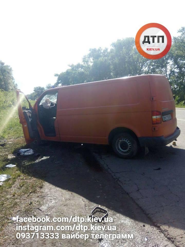 На Сумщине водитель и беременная девушка погибли в аварии, скрываясь от полиции: фото