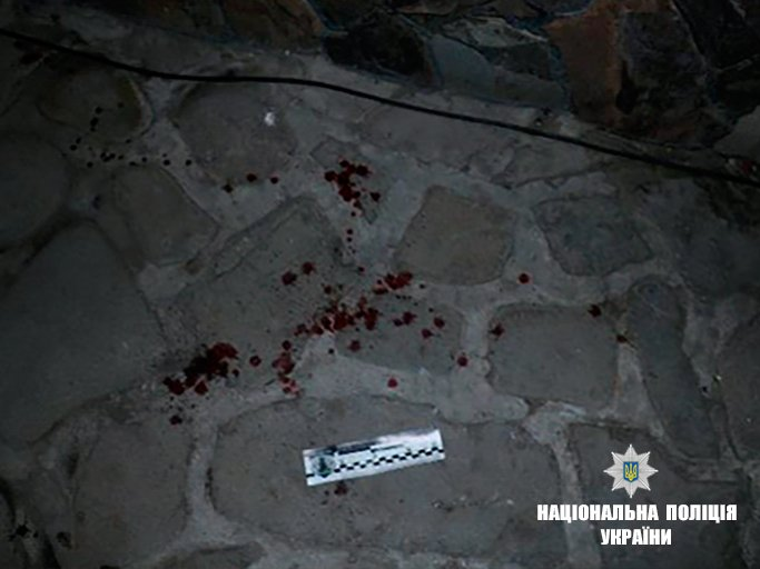 На Прикарпатье в толпу людей бросили гранату