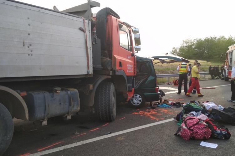 В Венгрии в результате ДТП погибли девять человек