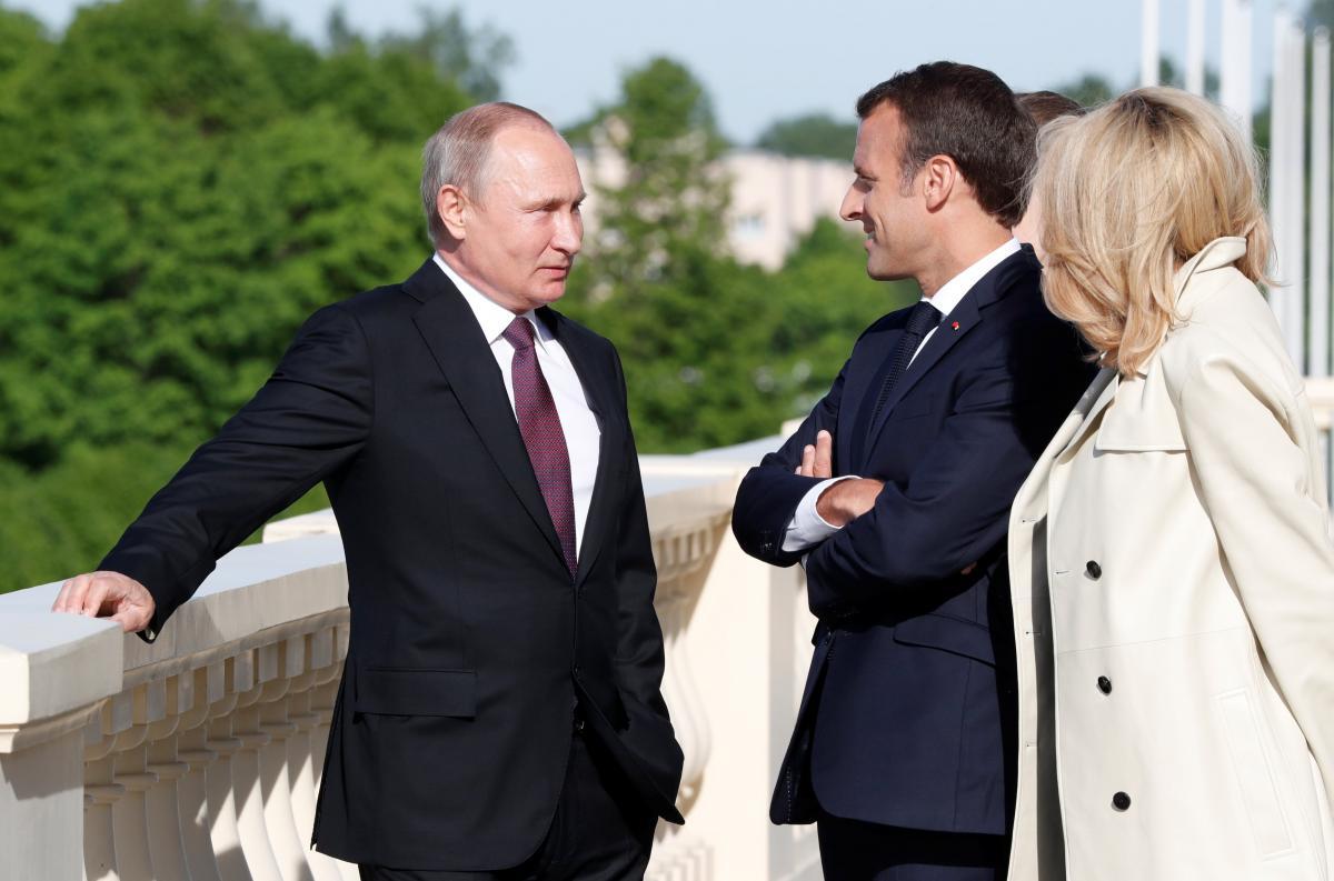 Макрон сделан жене больно на встрече с Путиным