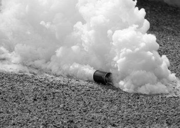 В Патриархии УПЦ КП распылили слезоточивый газ.
