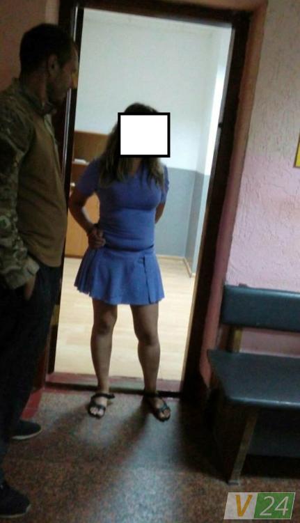 В Луцке пьяная женщина-водитель покусала правоохранителей