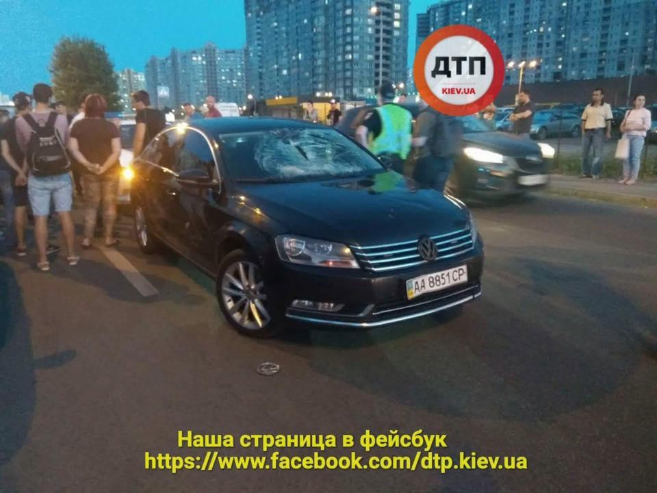 В Киеве спецавто сбило ребенка