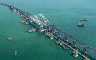 В 2018-м из-за Крымского моста Украина потеряла полмиллиарда гривень, сказал Владимир Омелян