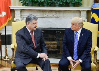 Журналисты нашли подтверждение того, что встреча Порошенко и Трампа не была бескорыстной