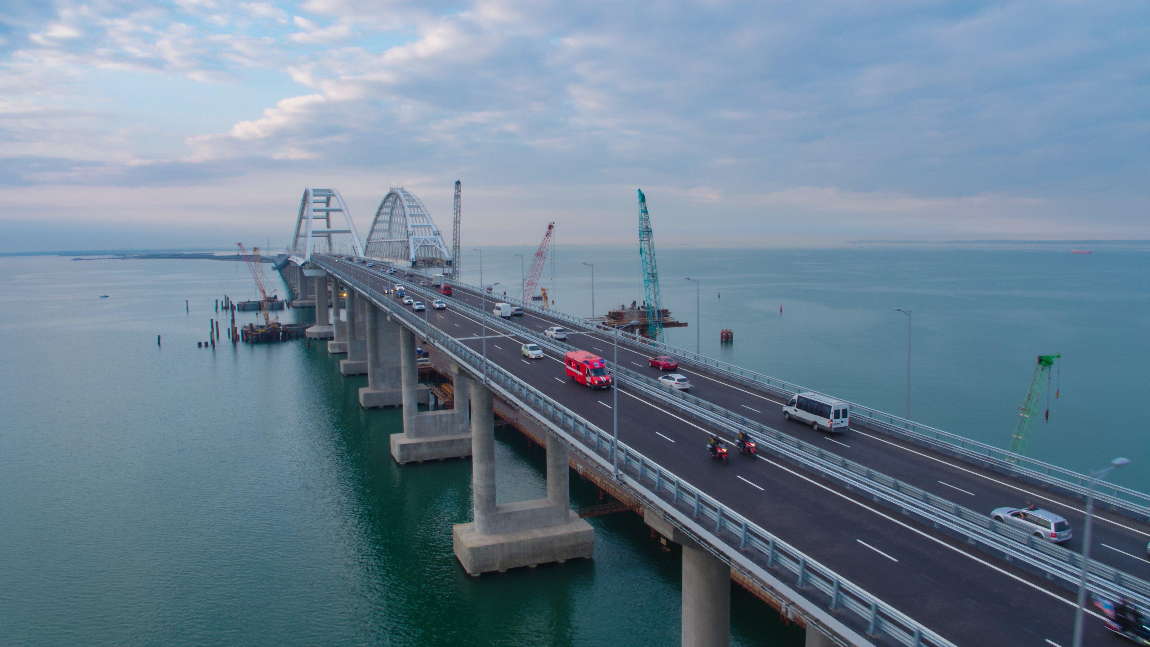 Ученый предупредил, что Крымский мост может быть снесен в результате извержения грязевого вулкана