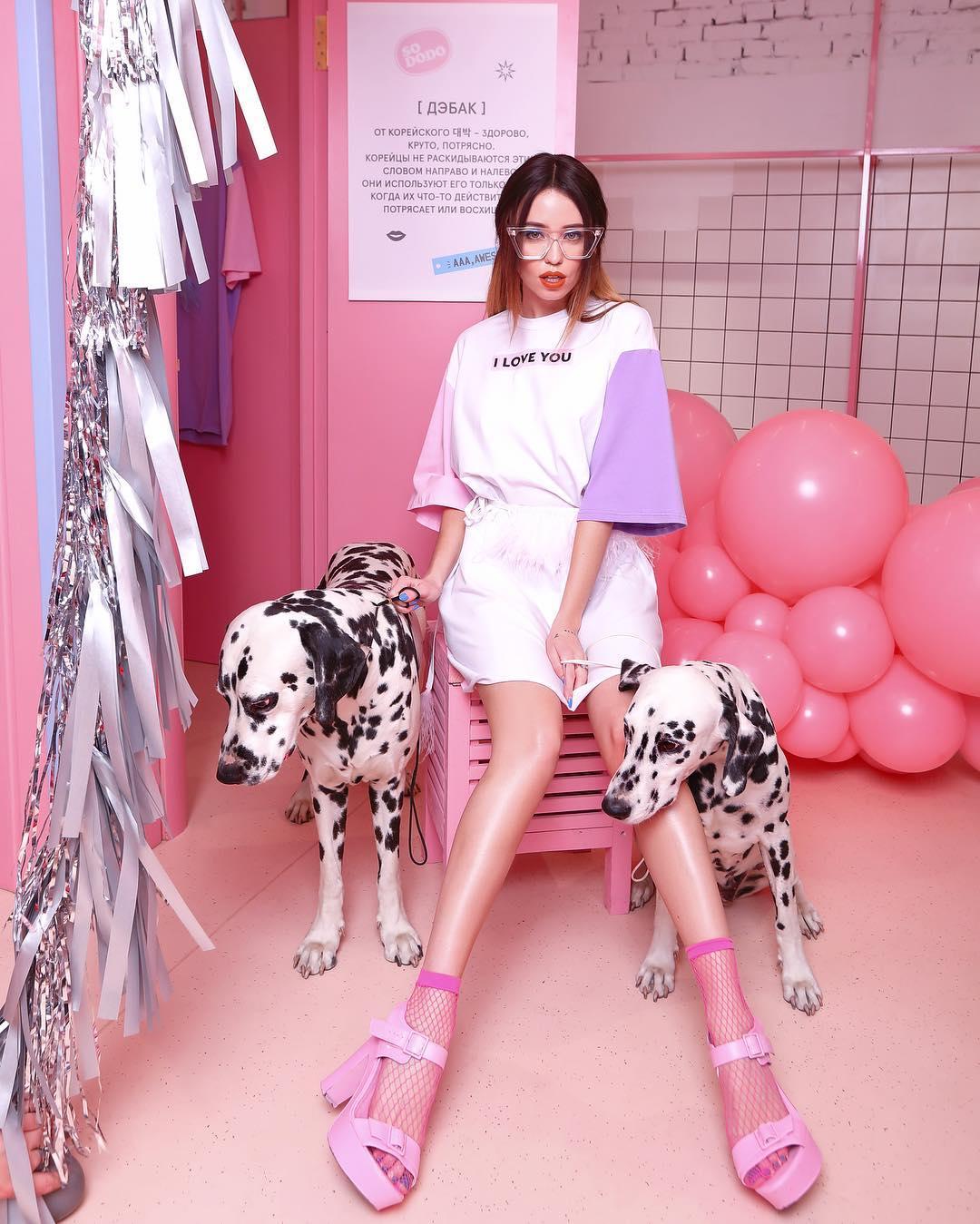Артистка стала лицом новой коллекции бренда Omelya T-Dress