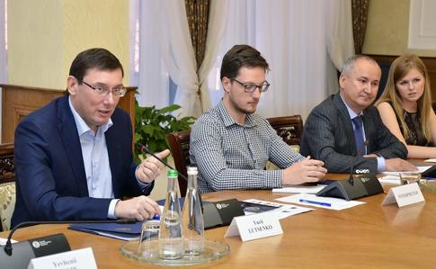 Луценко и Грицак рассказали о спецоперации по Бабченко.