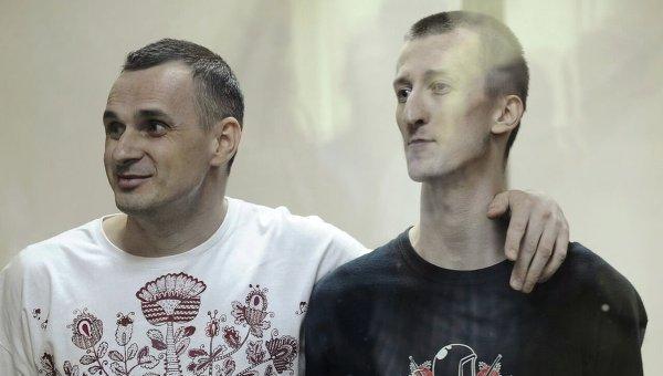 Сенцов и Кольченко объявили голодовку в российской тюрьме