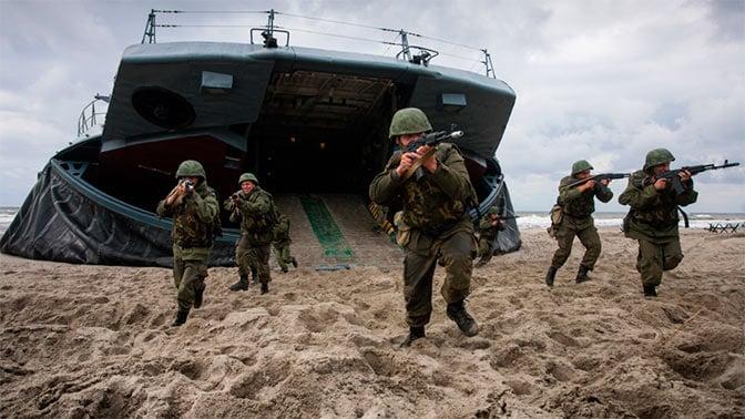 Российские военные во время учений