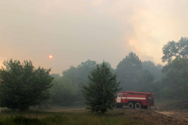 Експерт поділилася, що через пожежу у Чорнобилі киянам краще залишатися вдома – Чорнобиль горить
