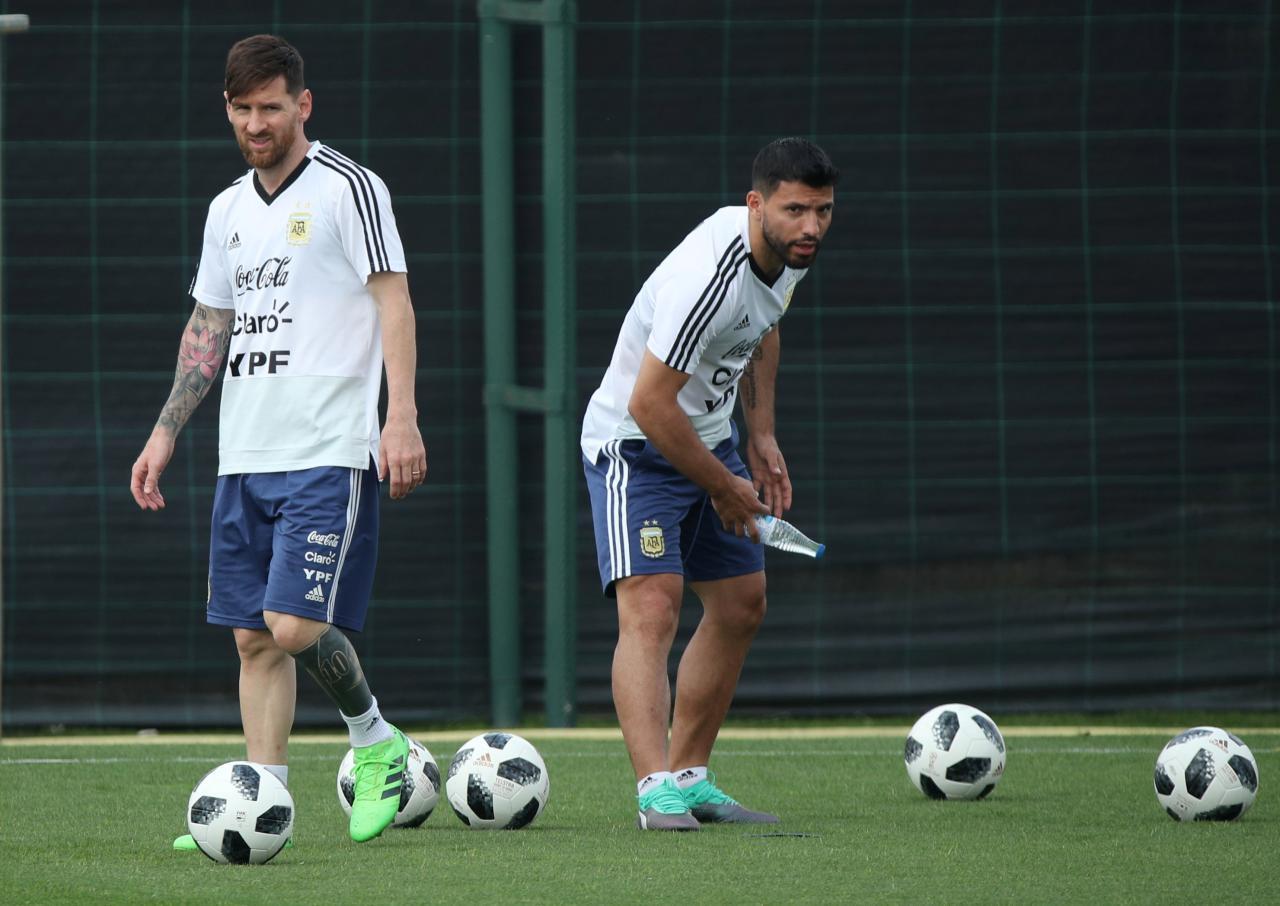 Игроки сборной Аргентины - Лионель Месси и Кун Агуэро