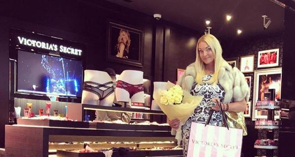 Анастасия Волочкова любит выставлять на показ роскошь
