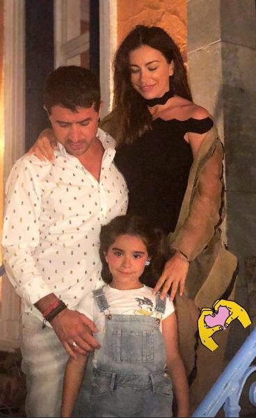 Ани Лорак с мужем Муратом Налчаджиоглу и друзьями отпраздновала день рождения дочери Софии