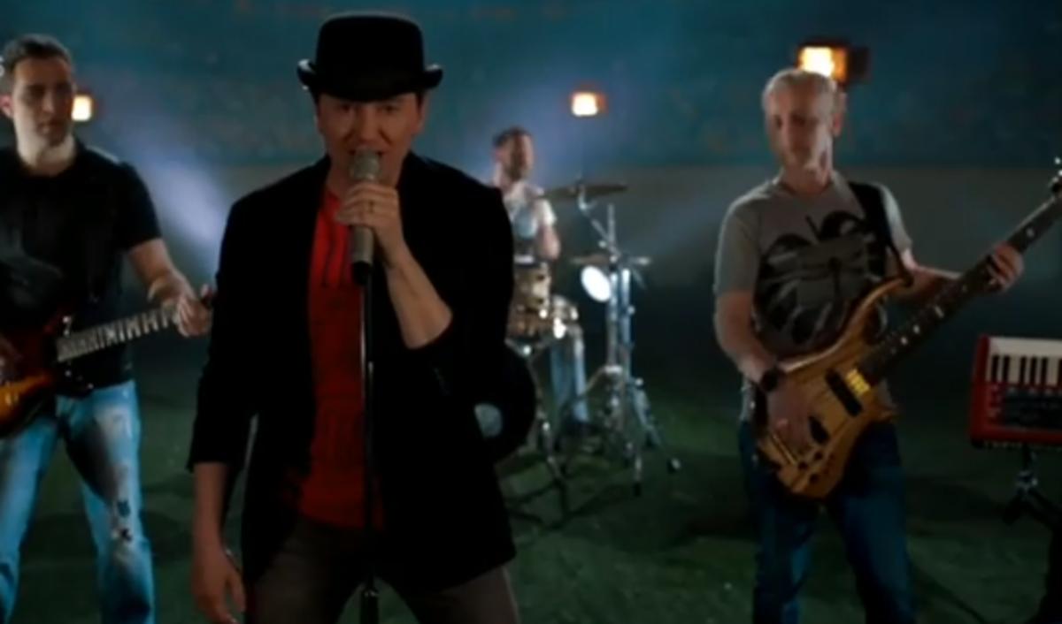 Безруков посвятил песню ЧМ-2018 Фото: скриншот YouTube