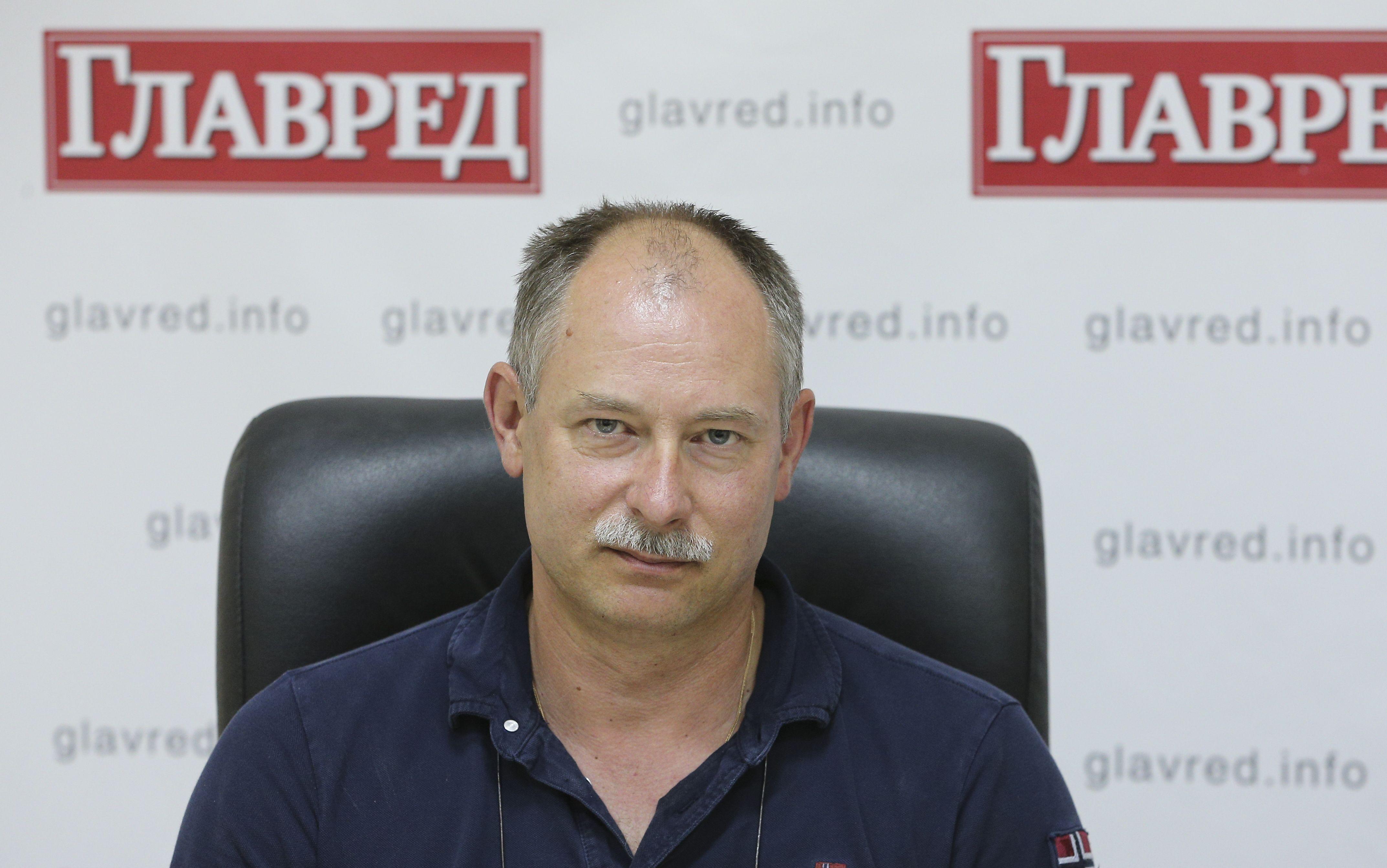 Олег Жданов, без лого