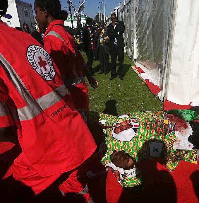 В Зимбабве хотели убить президента во время его предвыборного выступления
