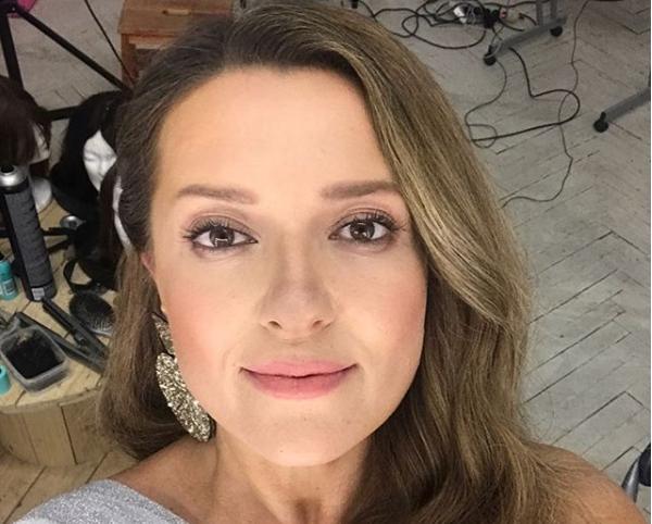 Наталья Могилевская опубликовала фото в соблазнительном платье