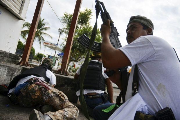 Неизвестные расстреливают болельщиков сборной Мексики по футболу