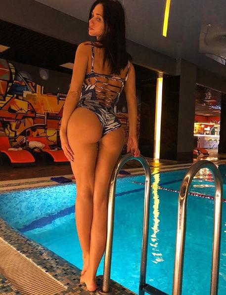 Виктория Смеюха позировала в купальнике