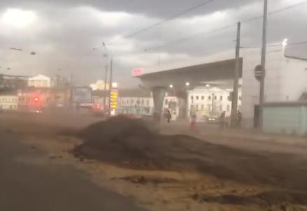 В Харькове в четверг была песчаная буря