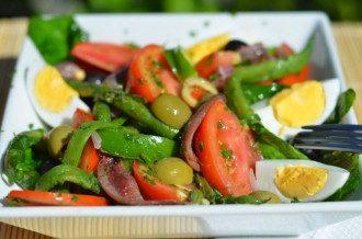 Сбалансированное питание помогает насытить организм нужными витаминами.