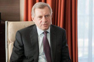 Яков Смолий заявил, что НБУ курсом валюты не управляет, но следит