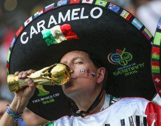 Мексиканские болельщики ликуют