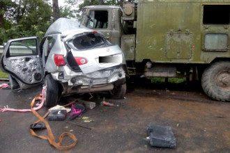 В Тернопольской области произошло ДТП с военным грузовиком.