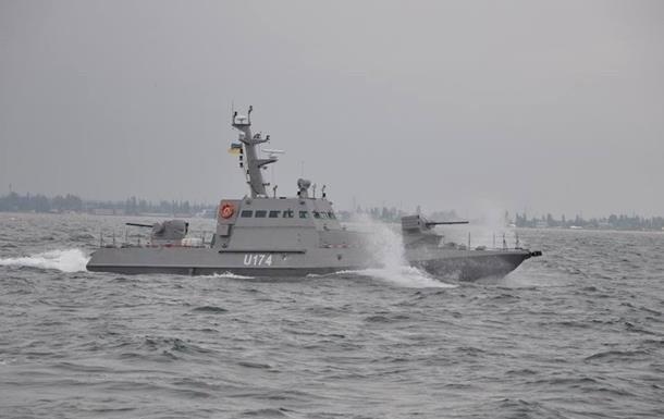 По украинскому катеру на Азове из пушки стрелял российский пограничный сторожевой корабль