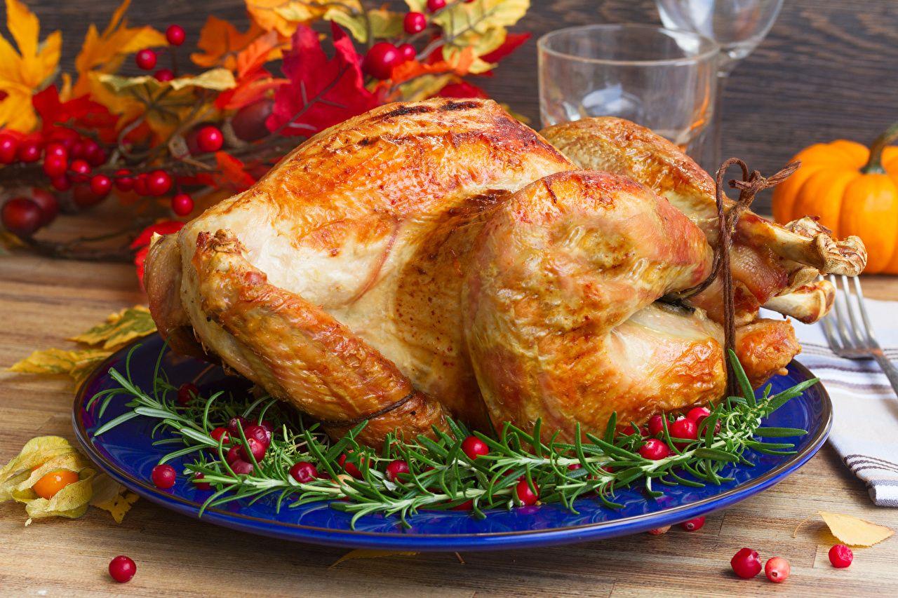 Правильное питание - Во время позднего ужина можно съесть нежирную птицу, сообщила спортивный диетолог