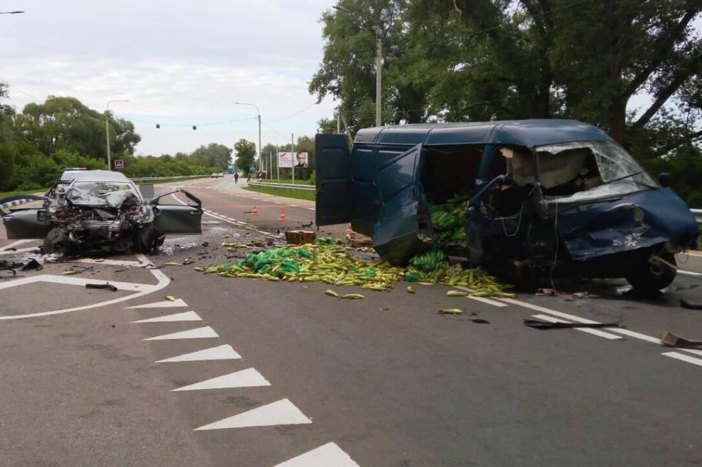 В Чернигове в ДТП погибли три человека