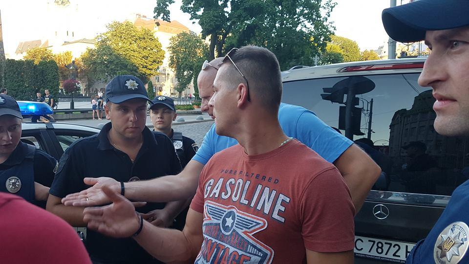 Паны попытались избить сделавших им замечание украинцев