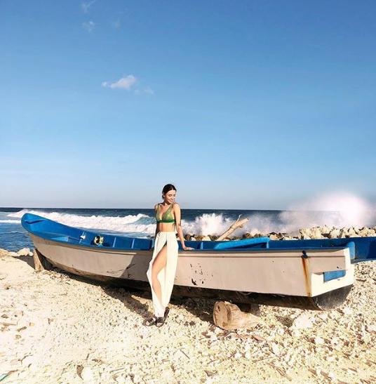 Надя Дорофеева показала новое яркое фото с отдыха