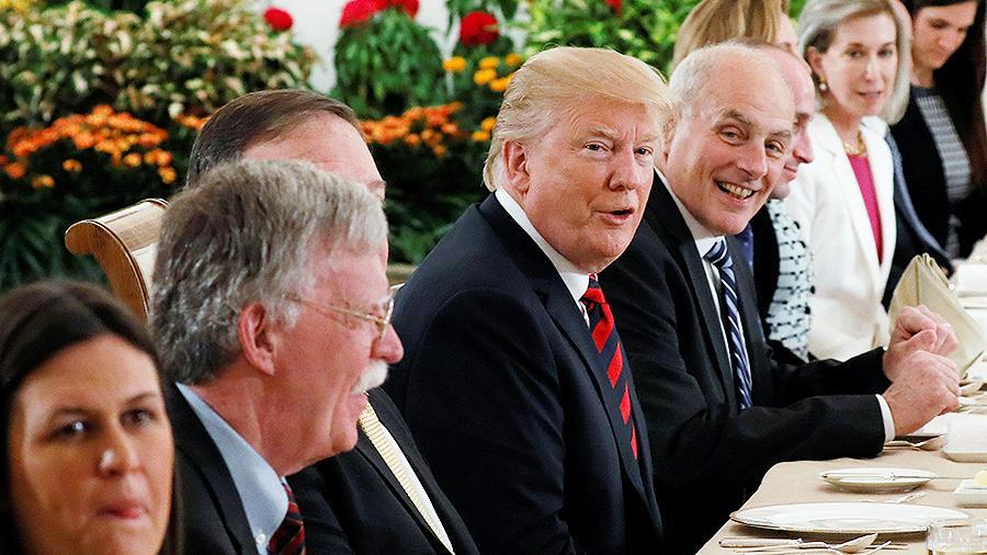 Дональд Трамп по главе с делегацией