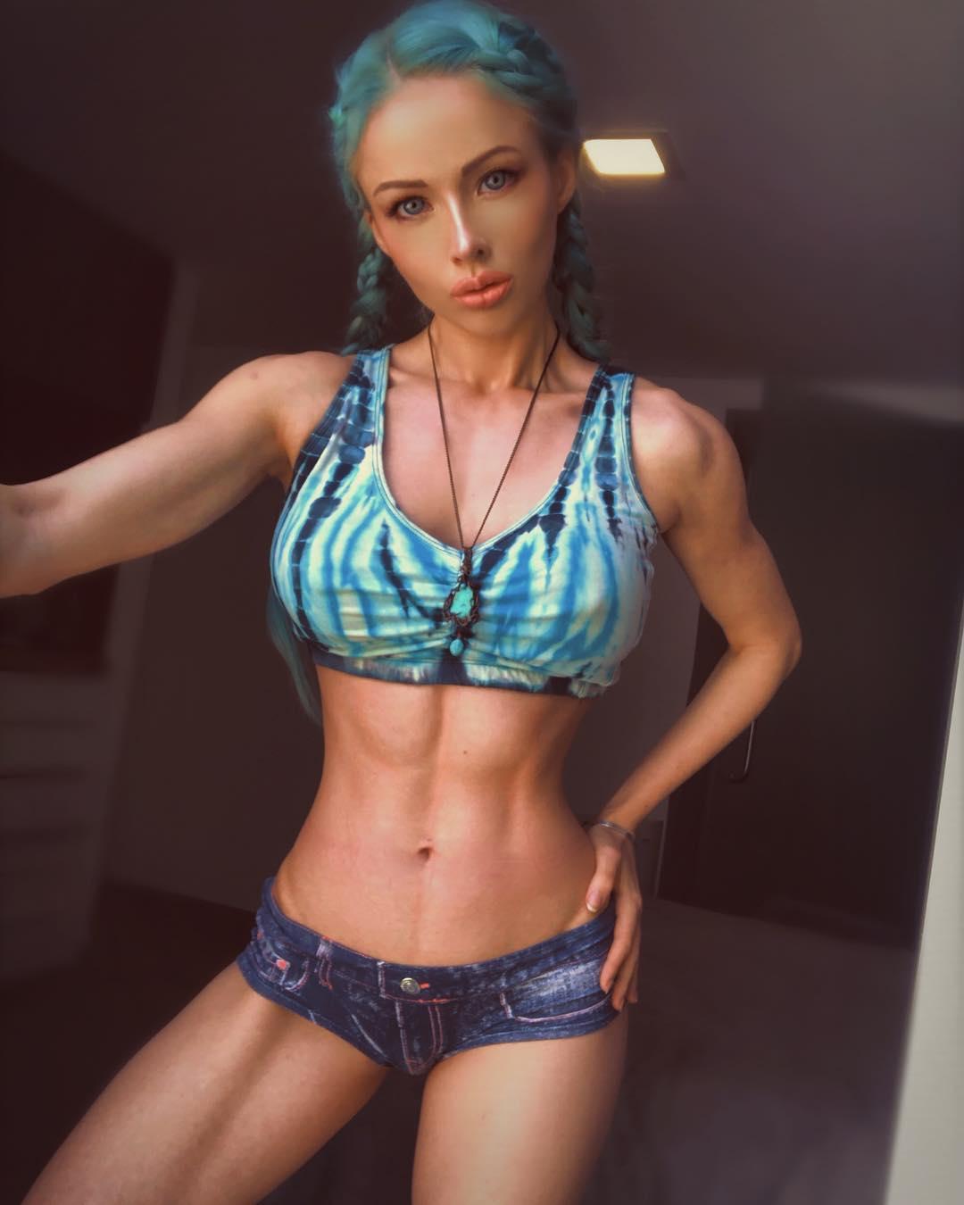 Валерия Лукьянова восхитила фанатов стройным телом