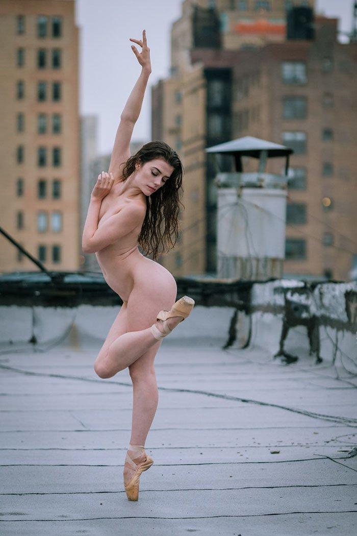 Фотографии голых танцовщиц, порно з посторонним предметом