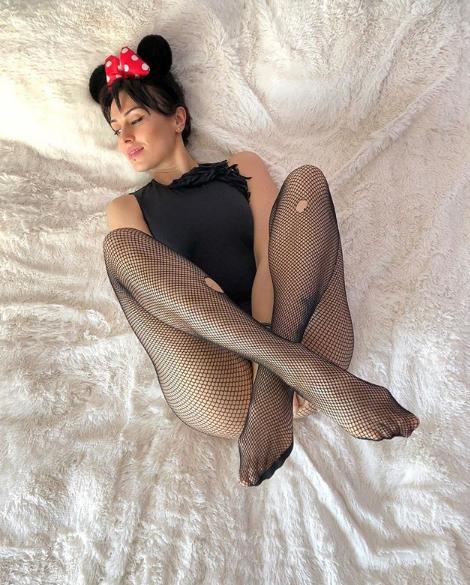 Анастасия Кумейко показала фото в образе Минни Маус