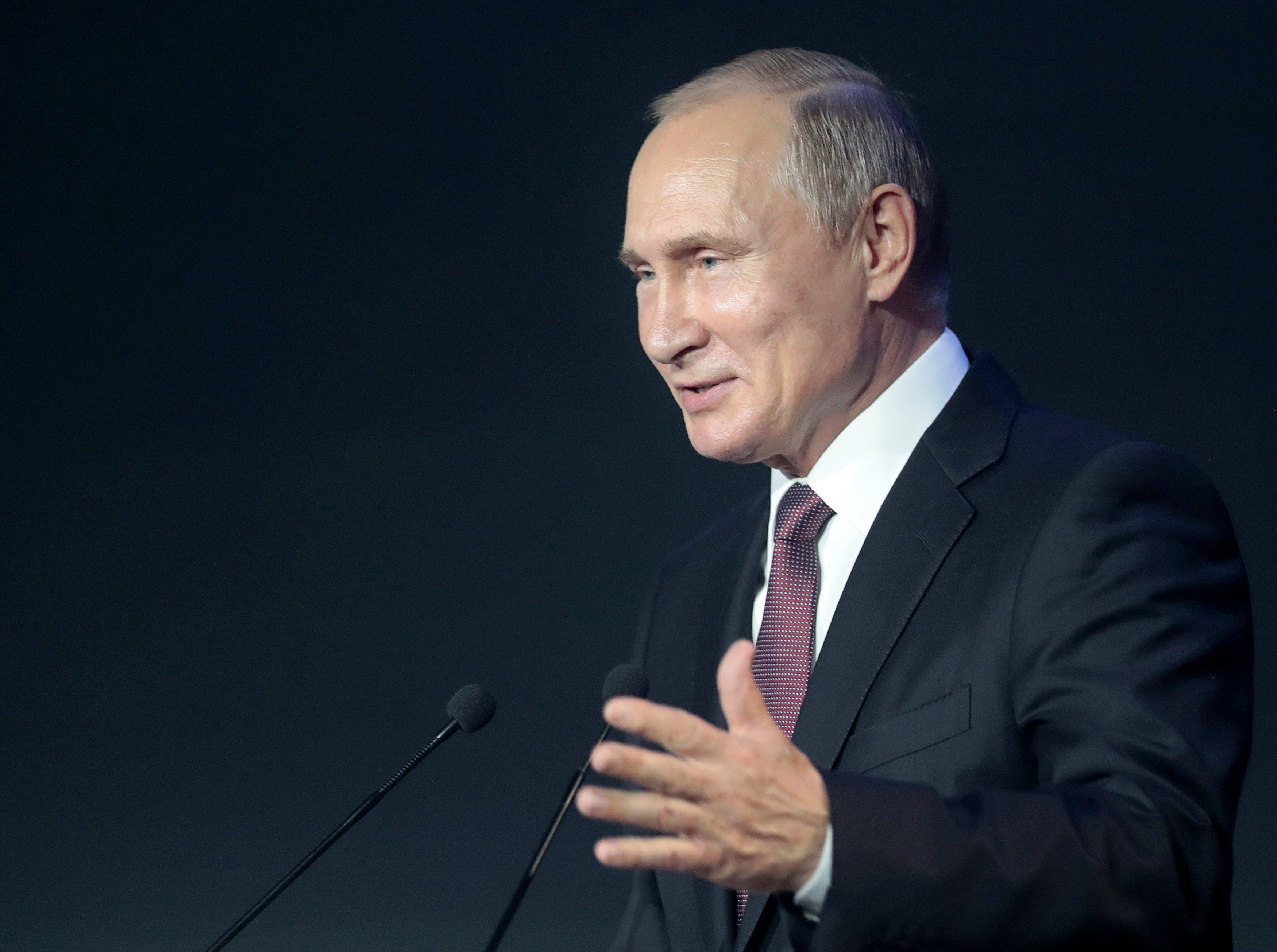 Путин продвигает идею референдума на Донбассе
