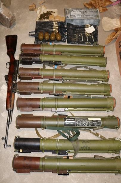На Харьковщине обезвредили банду торговцев оружием (фото)