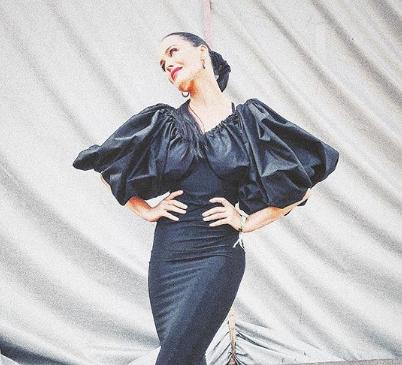 Даша Астафьева позировала в необычном платье