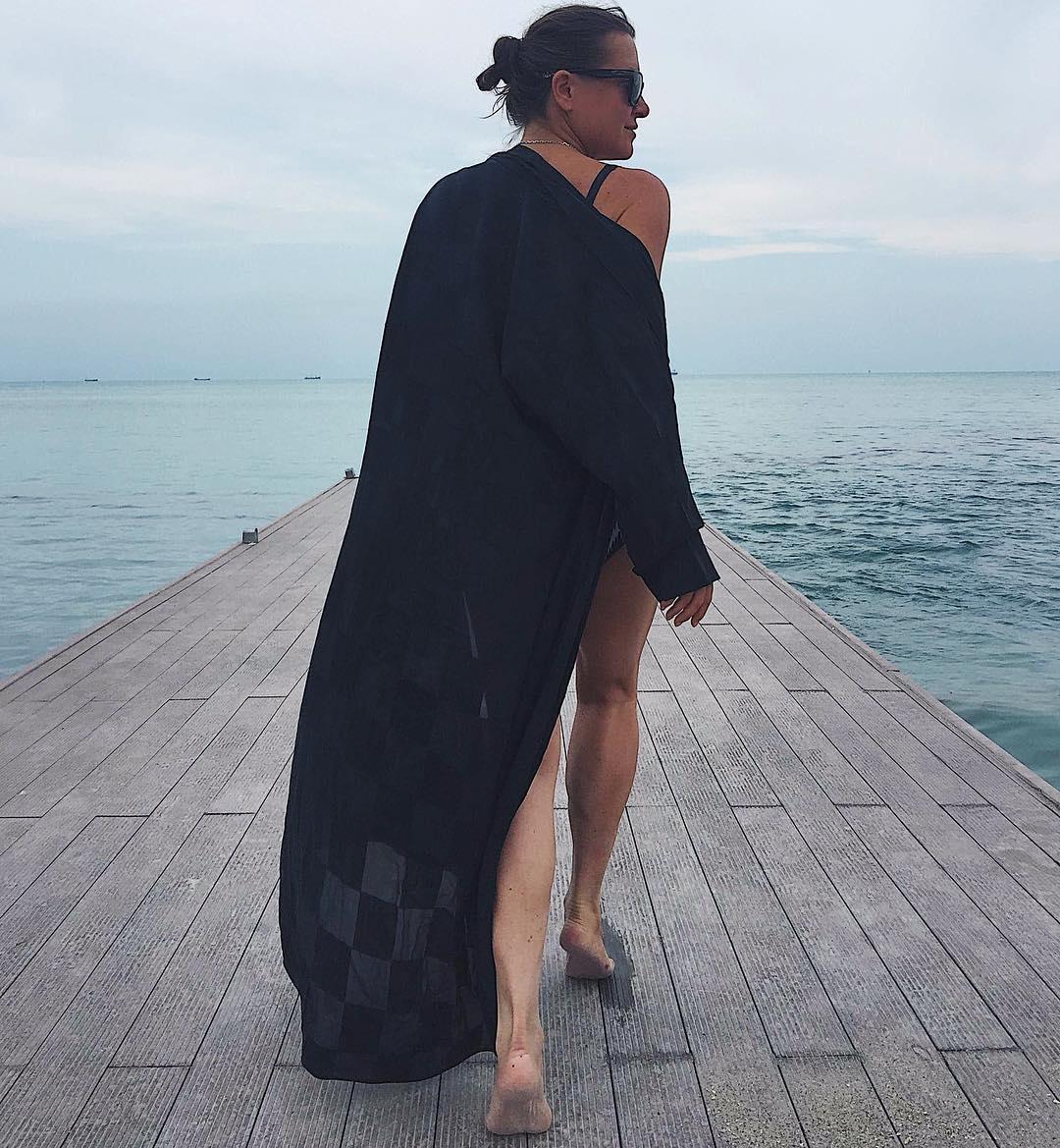 Наталья Могилевская позировала спиной к камере