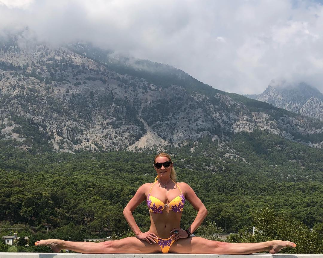 Волочкова на отдыхе, смотреть русское порно зрелых женщин анал