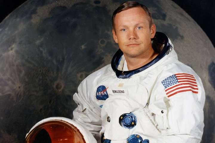Армстронг ступил на лунную поверхность 20 июля 1969 года, став первым побывавшим там человеком