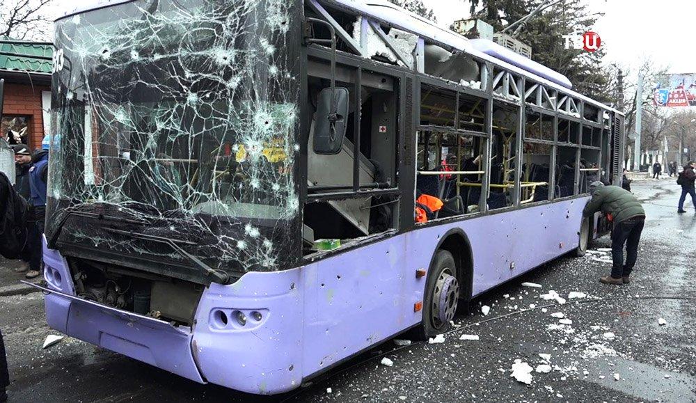 Троллейбус, расстрелянный в Донецке 30 января 2015 года
