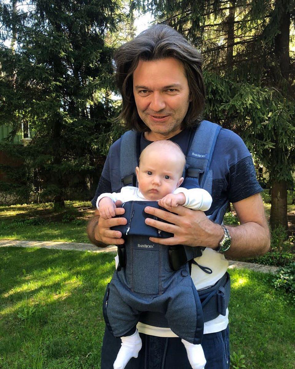 Дмитрий Маликов и 6-месячный сын Марк