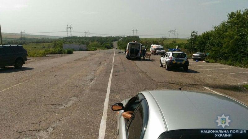 Жуткое ДТП на трассе Горловка-Бахмут: три человека погибли, еще семь – ранены. Фото