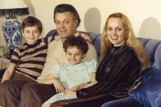 Иосиф Кобзон с детьми и женой