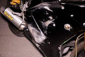 В Киеве мотоцикл сбил пешеходов, есть жертва